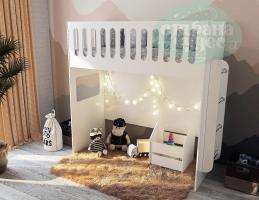 Кровать-чердак с высоким бортиком и лестницей