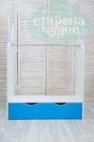 Вешало для детской одежды Зайчик с ящиком, голубой