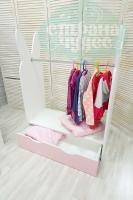Вешало для детской одежды Зайчик с ящиком, розовый