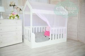 Кровать-домик, белая, без ящика