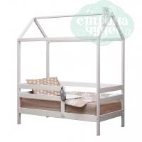 Кровать-домик Классика с бортиком из массива сосны